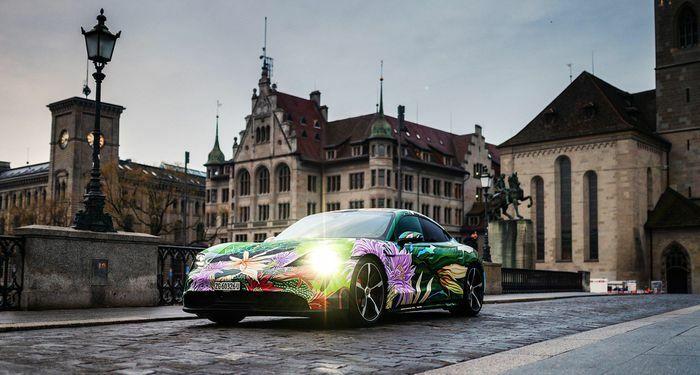 Porsche Taycan phiên bản độc nhất sắp được rao bán