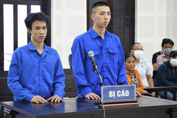 Chém tên trộm chó nhà mình 'suýt chết', 2 thanh niên chia nhau 9 năm tù