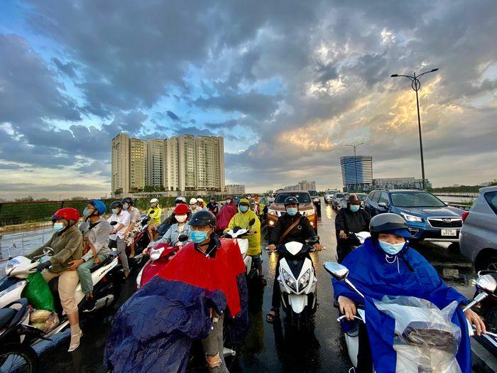 TP.HCM bất ngờ có mưa rào