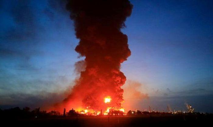 Indonesia: Cháy lớn tại nhà máy lọc dầu Balongan