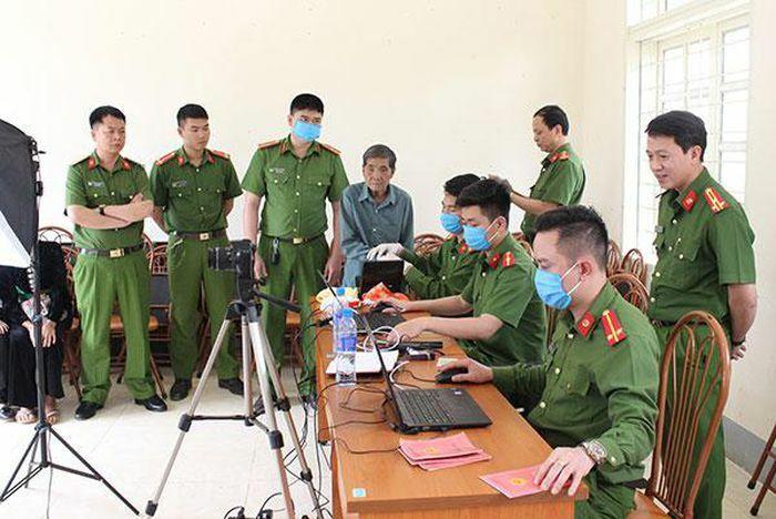 Công an Sơn La nỗ lực thực hiện chiến dịch cấp Căn cước công dân