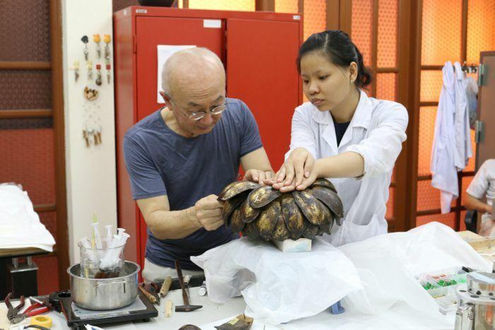 Đào tạo, nâng cao nghiệp vụ về công tác bảo quản trị liệu hiện vật chất liệu giấy và gốm, sứ cho các bảo tàng