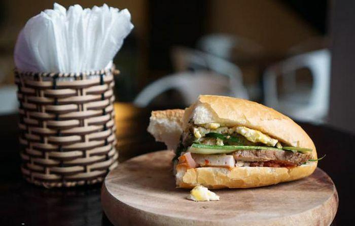 Báo Hong Kong coi bánh mì Việt Nam là một món ăn sáng ngon nhất châu Á