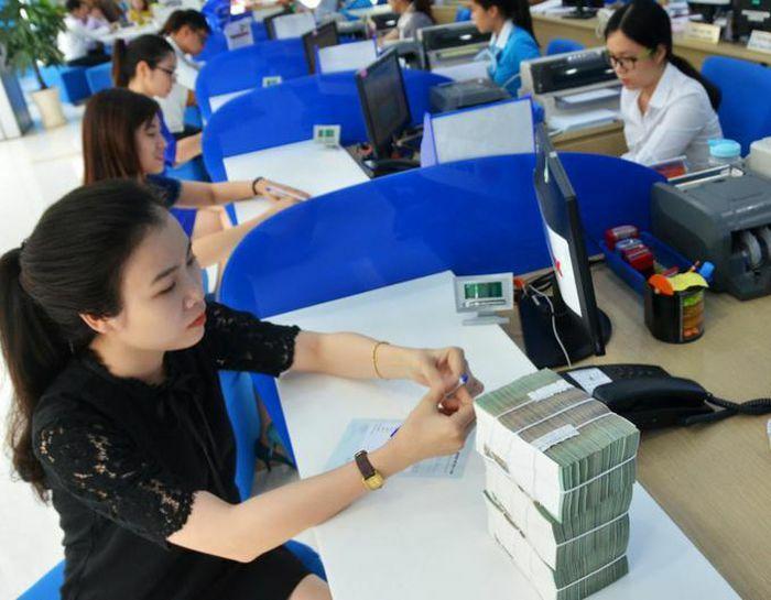 Ngân hàng Nhà nước yêu cầu xem xét miễn giảm lãi vay, phí vay mới
