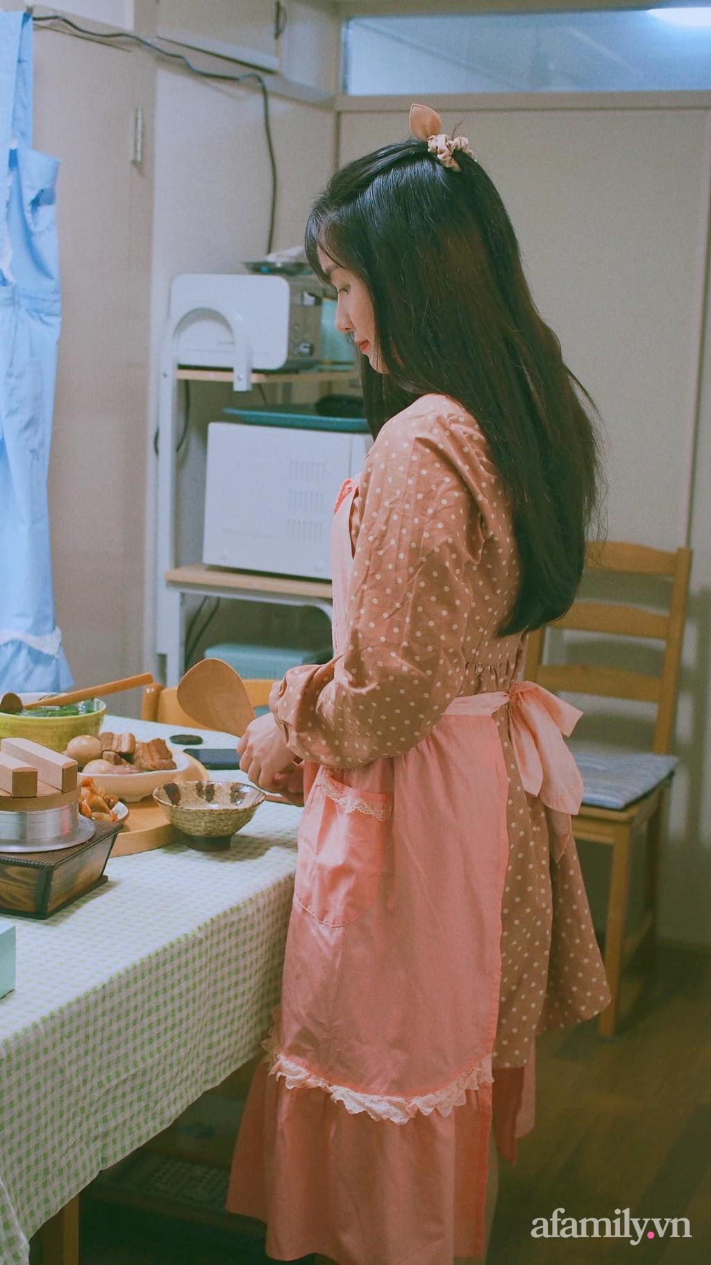 """Nấu hộp cơm mang cho chồng giá chỉ 100K ở xứ người, vợ Việt tại Nhật bật mí bí kíp đi chợ """"rau củ lưu động"""" đặc biệt không giống ai"""