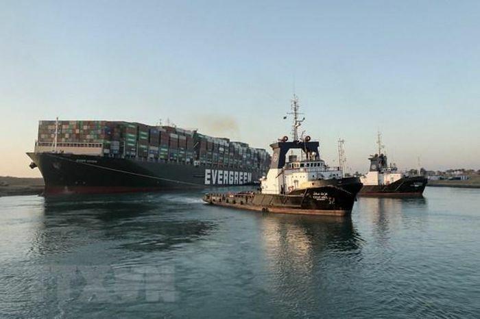 Tàu Ever Given được giải cứu, các tàu đã đi lại được qua kênh đào Suez