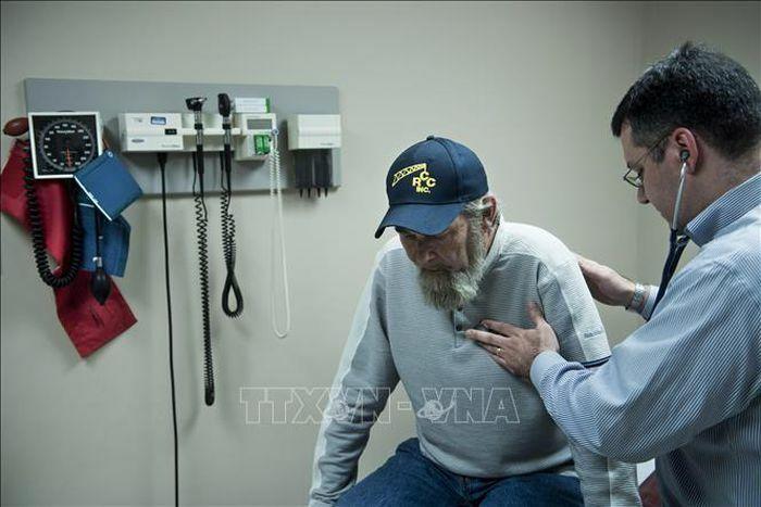 """Tổng thống Mỹ thúc đẩy """"Obamacare"""" với việc giảm phí bảo hiểm"""