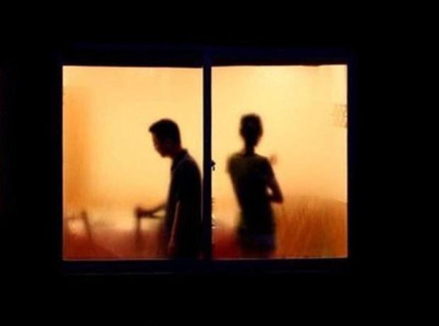 Đang yêu đương mặn nồng, cặp đôi đánh nhau thiệt mạng, nguyên nhân dở khóc dở cười chỉ bởi 1 bộ phim truyền hình