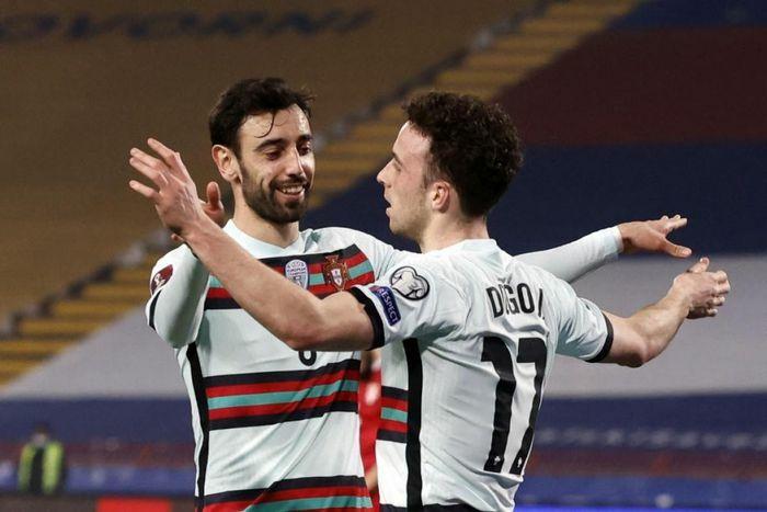"""Ronaldo bị trọng tài """"cướp bàn thắng"""", Bồ Đào Nha hòa đau đớn Serbia"""