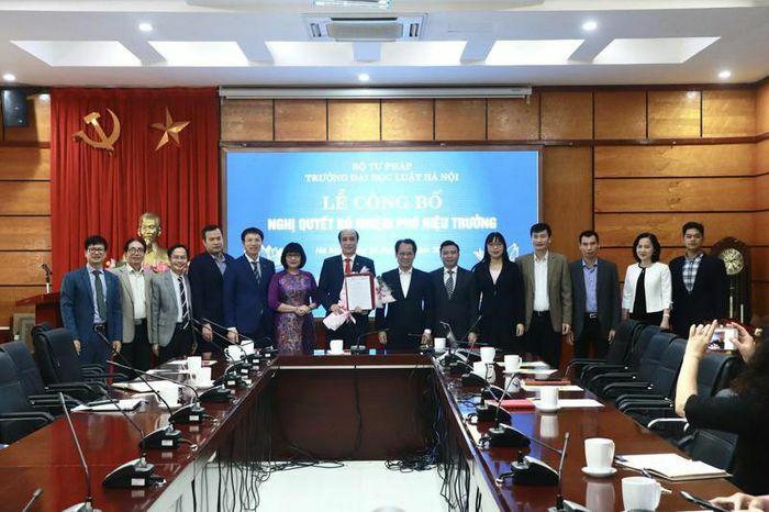 Trường Đại học Luật Hà Nội có tân Phó Hiệu trưởng