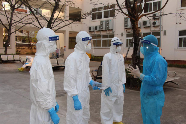 """Một tháng đối đầu đợt dịch Covid-19 thứ 3: Số ca nhiễm tăng nhanh, vaccine được xác định là """"vũ khí lợi hại"""" chiến thắng đại dịch"""