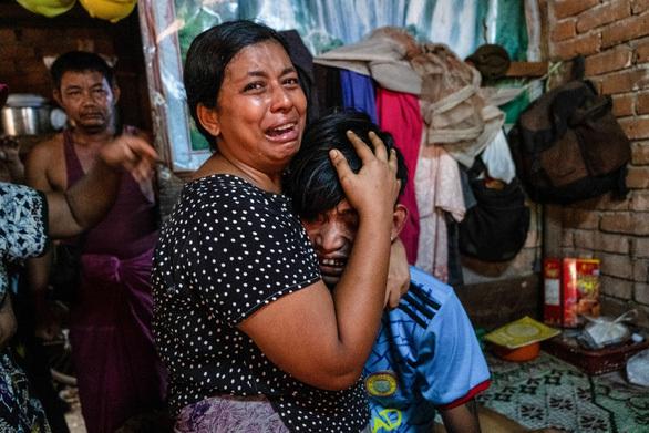 Thai PBS: Hơn 3.000 người Myanmar chạy qua biên giới sang Thái Lan