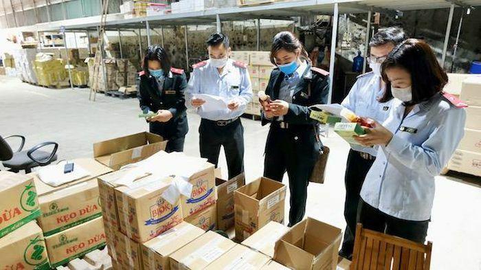 Hà Nội: Kiểm tra kho sản phẩm chế biến của Phúc Thịnh Foods