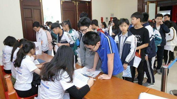 Hơn 30.000 học sinh tranh tài hùng biện Toán – Khoa học bằng tiếng Anh