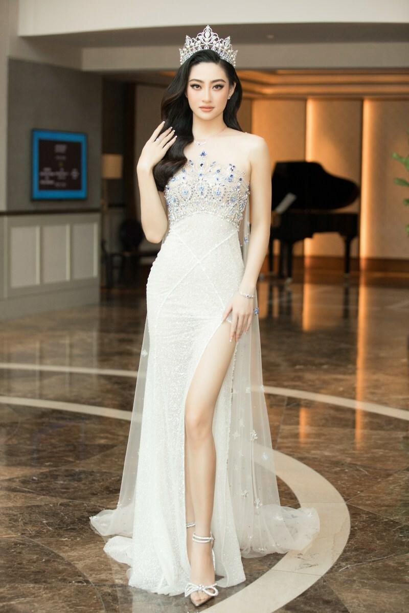 Hoa hậu Tiểu Vy làm giám khảo Miss World Vietnam khi mới 21 tuổi