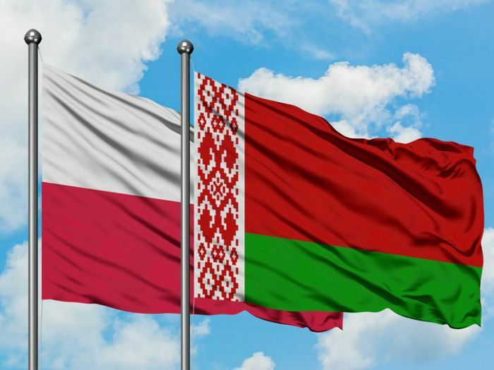 Căng thẳng mới nhất: Belarus trục xuất nhà ngoại giao Ba Lan, Warsaw không để yên