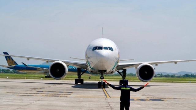 Yêu cầu xử lý phi công điều khiển máy bay vượt điểm dừng đỗ tại Nội Bài