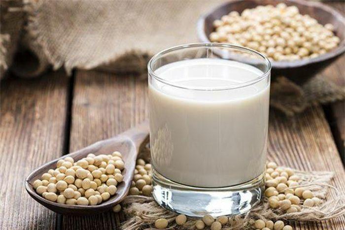 Cách làm sữa đậu nành thơm ngon tại nhà giúp đẹp da, đẹp dáng