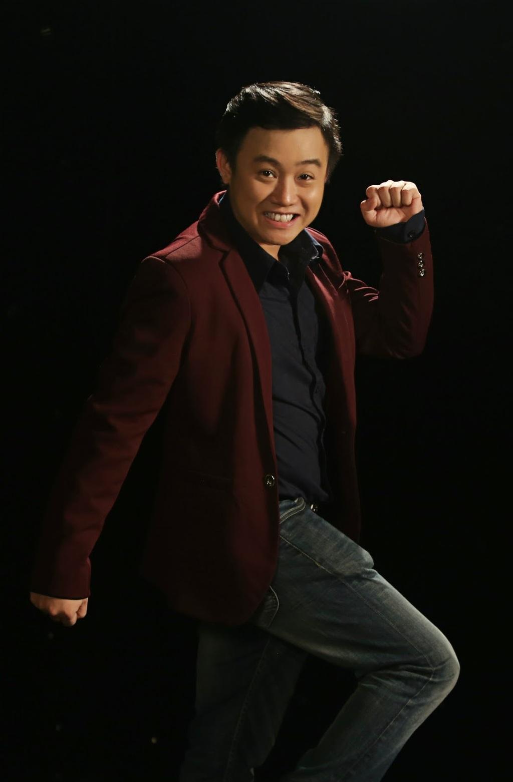 Diễn viên Hữu Tín lần đầu công khai bạn gái trên sóng truyền hình, nhan sắc cô nàng gây choáng