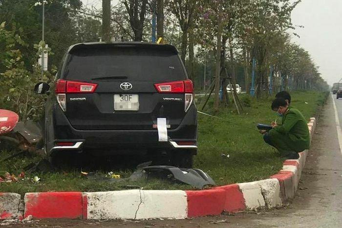 Vụ ôtô tông liên hoàn ở Hà Nội – tài xế khai do buồn ngủ