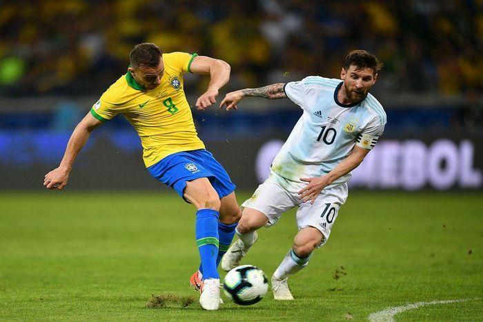 """Vòng loại World Cup 2022: Trận """"siêu kinh điển"""" Brazil – Argentina bị hoãn"""