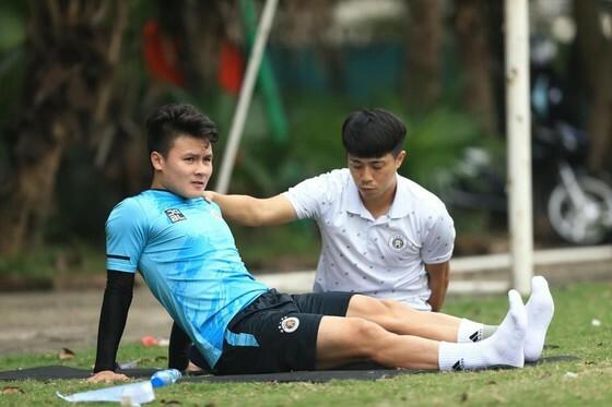 HLV Park kiểm tra 'chân cẳng' các tuyển thủ Quốc gia