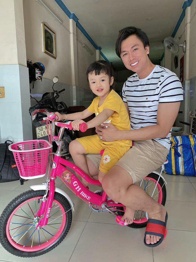 Nữ MC chê Hồ Việt Trung cổ lỗ sĩ vì không dám đi bước nữa, lo sợ cho con riêng