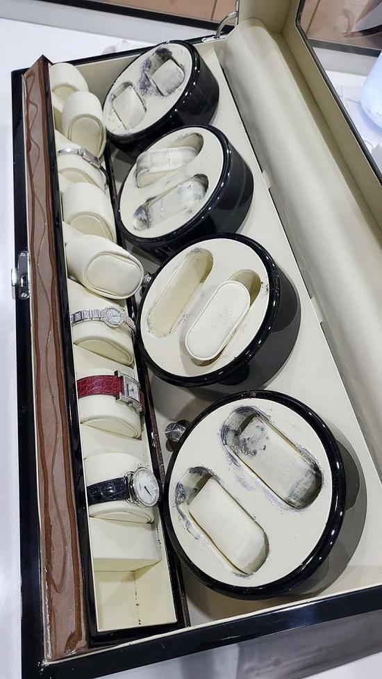 Tin tức giải trí mới nhất ngày 31/3: Ngọc Trinh kể lại chuyện bị mất bộ sưu tập đồng hồ hơn 10 tỉ đồng