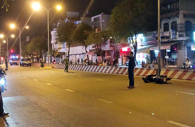 Thanh niên tử vong trên đường, xe máy văng xa gần 50m sau TNGT
