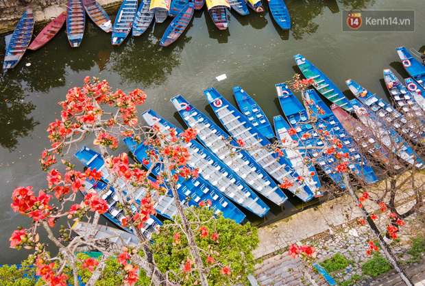 Chùm ảnh: Người dân phấn khởi dọn dẹp, chuẩn bị đò giang để chờ ngày đón khách trở lại Chùa Hương