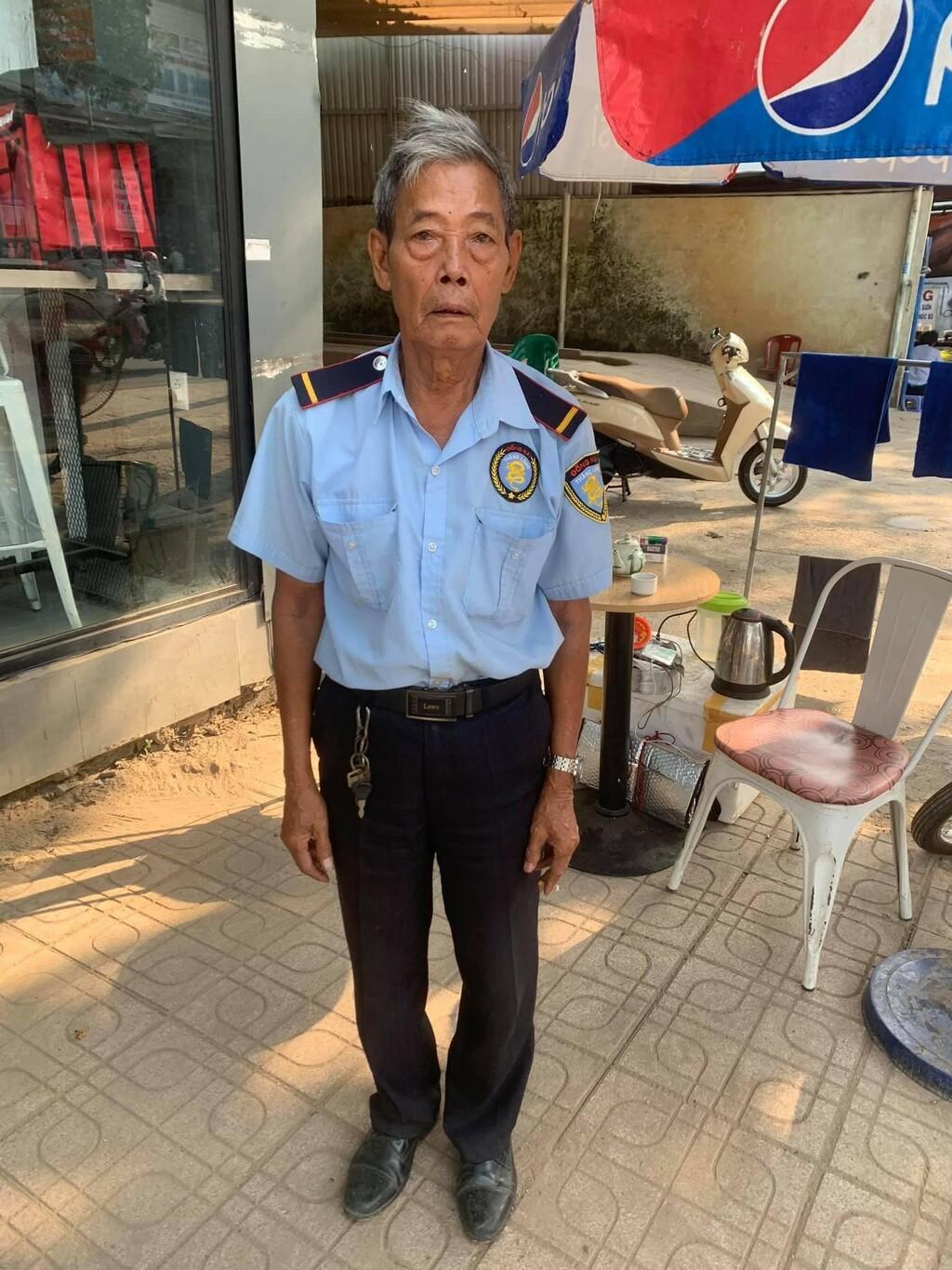 Lời kể của bác bảo vệ 86 tuổi khi phát hiện kẻ trộm bẻ khóa lấy xe máy mà không đủ tiền đền bù cho chủ xe
