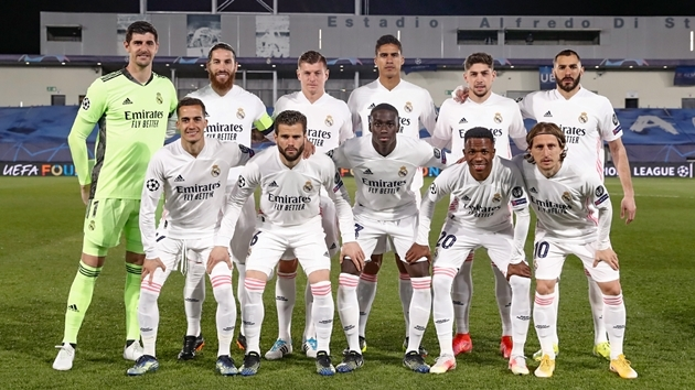 """Ramos cạn lời với tình huống """"lừa cả thế giới"""" của sao Real"""