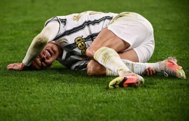 Bruno Fernandes nói đúng, Ronaldo đang phí thời gian cho Juventus