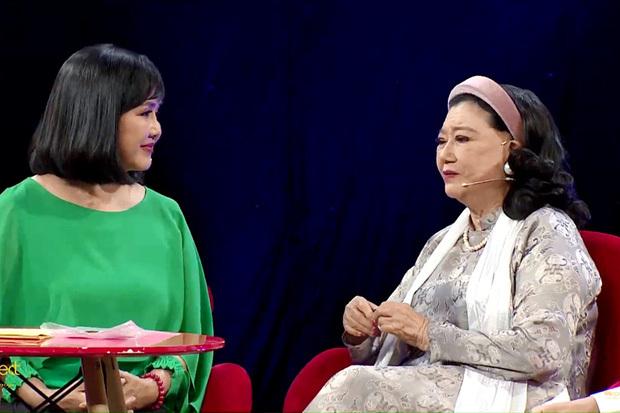 NSND Kim Cương tìm được con nuôi sau 45 năm bị nữ y tá mang đi, cảnh đoàn tụ đẫm nước mắt