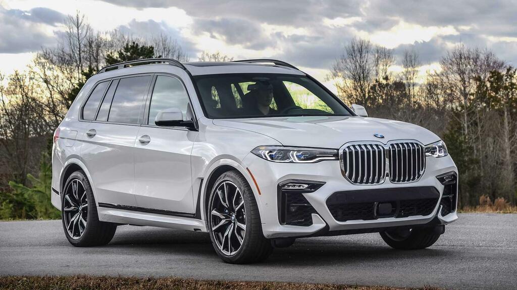Triệu hồi xe: BMW triệu hồi 4 mẫu SUV hạng sang do sự cố với trục lái