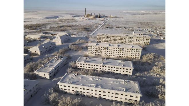 Vẻ đẹp bị lãng quên của những thị trấn ma băng giá ở Nga