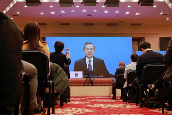 Bắc Kinh đòi đưa vắc xin ''nhà làm'' tiêm cho người Trung Quốc ở nước ngoài