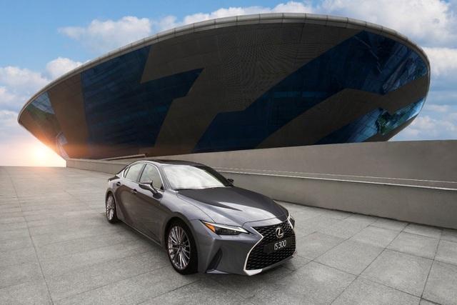 Chất thể thao trên Lexus IS 2021 chinh phục khách hàng trẻ Việt