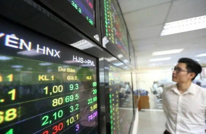 VN-Index chật vật giữ sắc xanh, HNX-Index tiếp tục thăng hoa