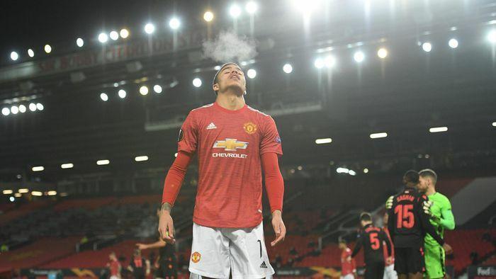 Greenwood cần học Rooney để trở nên vĩ đại