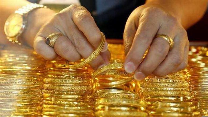 Giá vàng hôm nay 25/3: USD khởi sắc, giá vàng tuột dốc