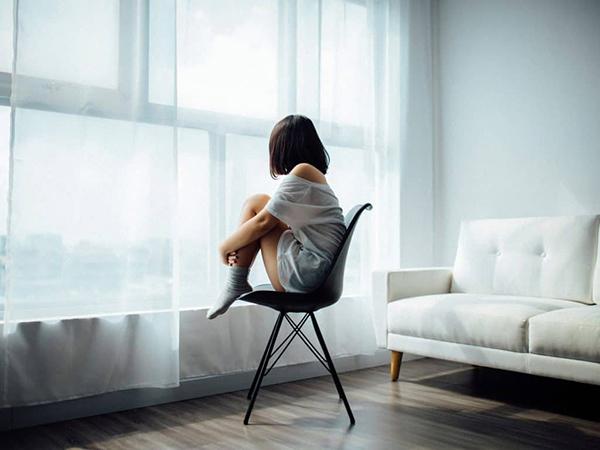 Nhân việc Nhật Bản bổ nhiệm Bộ trưởng Cô đơn:Nghĩ về hội chứng cô đơn và tự tử