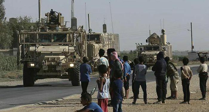 Mỹ điều hàng chục xe tải chở thiết bị quân sự vào Syria