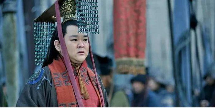 """Vì sao Trương Phi mới được """"ông chủ"""" Lưu Bị chọn làm thông gia?"""