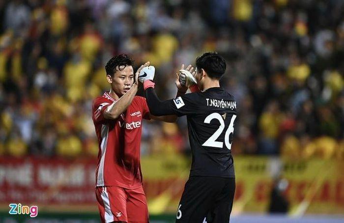 Trọng Hoàng giúp CLB Viettel ngược dòng trước Nam Định