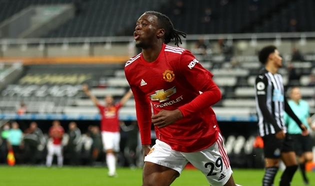 Thầy cũ gửi lời khuyên đến Wan-Bissaka trước trận Palace – Man Utd