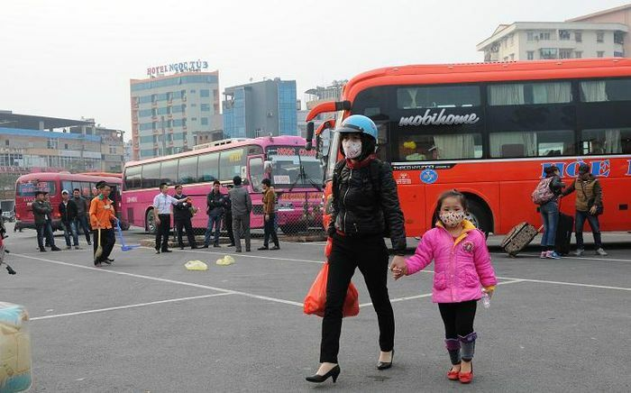 Thị trường vận tải khách: Khó chồng khó
