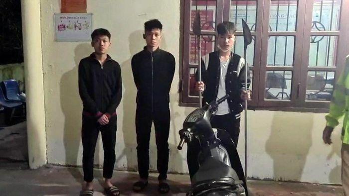 """3 thiếu niên 16 tuổi ở Hải Phòng mang theo """"phóng lợn"""" đi giải quyết mâu thuẫn"""