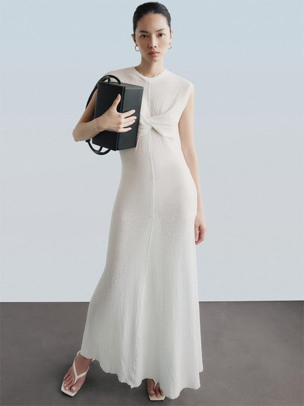 Vẻ đẹp từ sự tối giản tinh tế của thiết kế Lâm Gia Khang