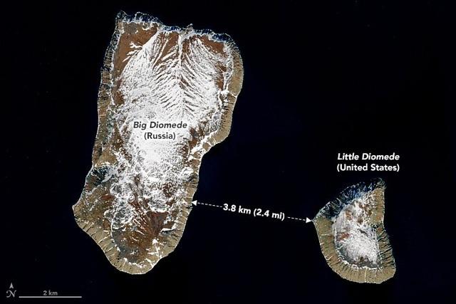 """Hai hòn đảo kỳ lạ nơi con người có thể """"du hành ngược thời gian"""""""